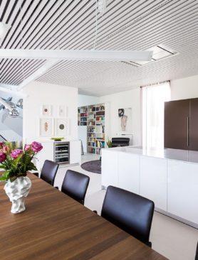 Wohnzimmer & Küche - Design Ferienhaus Bauhausvilla Kärnten, Spittal/Millstätter See